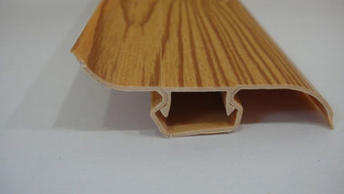 Trung Quốc Dust Proof 80% PVC Skirting Board Covers Profile With Wood Grain Pattern nhà máy sản xuất