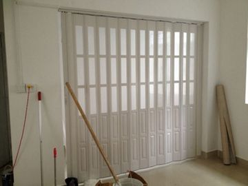 Trung Quốc Custom Accordion Folding Doors Interior With Hard - Joint Connection nhà máy sản xuất